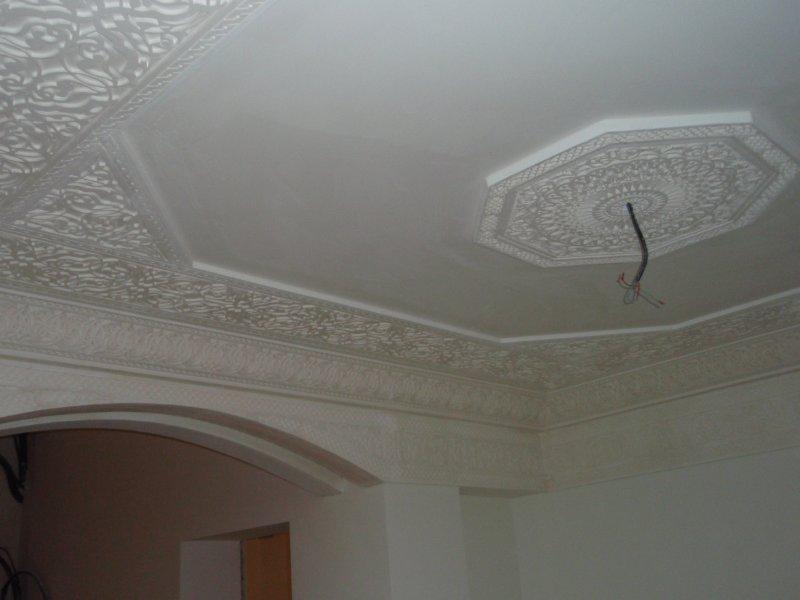 D coration de style oriental en staff for Faux plafond en platre style francais