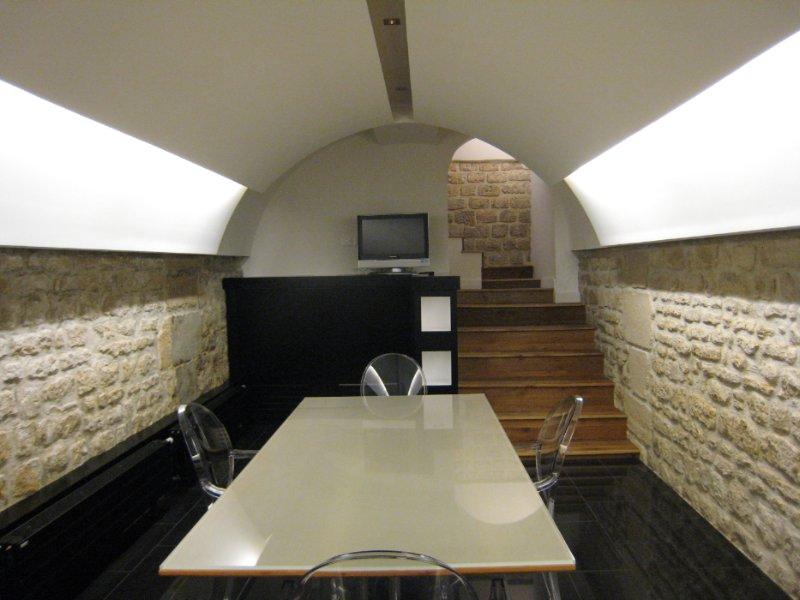 gorge lumineuse plafond en staff avec corniche lumineuse with gorge lumineuse gorge lumineuse. Black Bedroom Furniture Sets. Home Design Ideas
